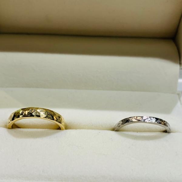 手作り結婚指輪槌目ポリッシュ仕上げ