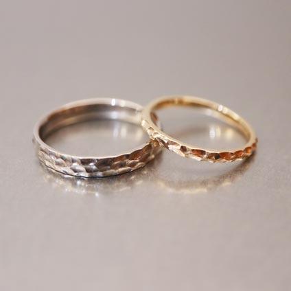 手作り結婚指輪槌目デザイン